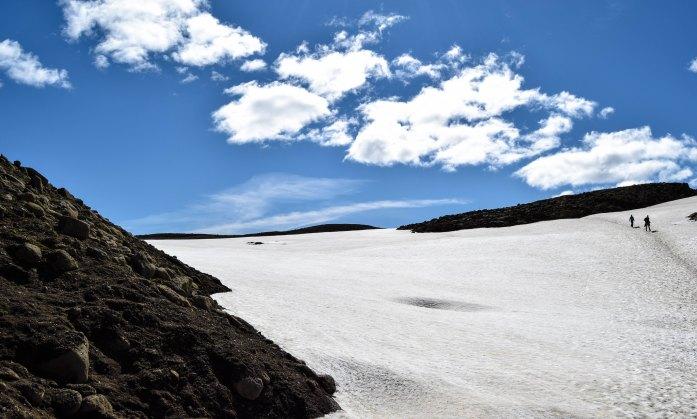 Montaña nevada en Islandia
