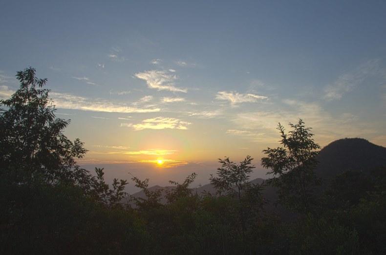 印帶山日出