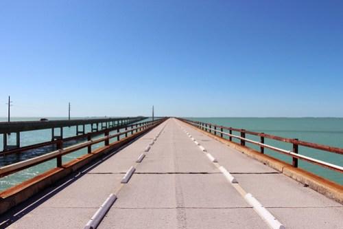 < 7 Mile Bridge >