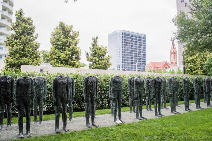 Bronze Crowd - Magdalena Abakanowicz