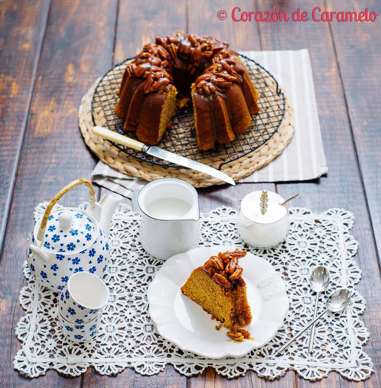 Bundt Cake de Tofee con caramelo salado y nueces caramelizadas