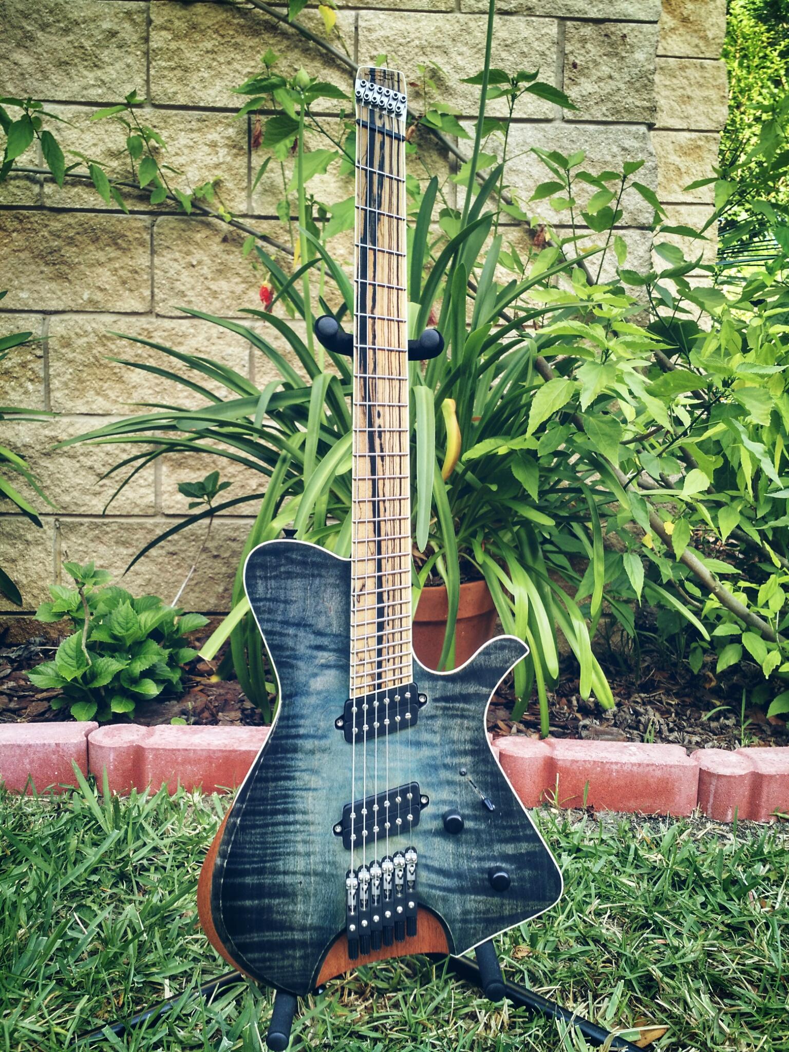 Blackwater Headless Modern Mojo Guitars