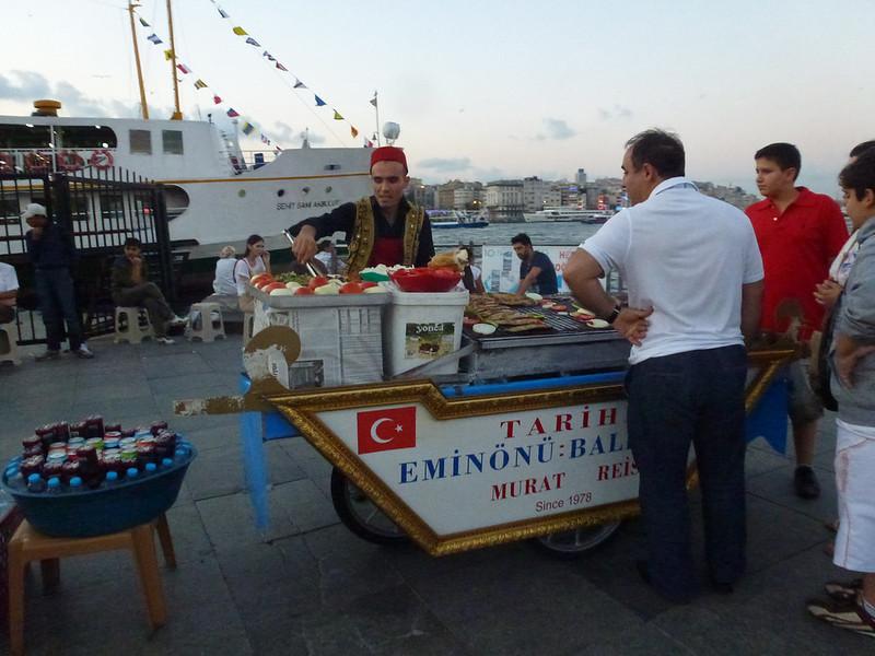 Turquie - jour 23 - Balades poétiques et visages stambouliotes - 174 - Eminönü