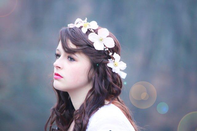 wedding hair crown, flower hair band, flower hair crown, dogwood blossom halo, bridal flower