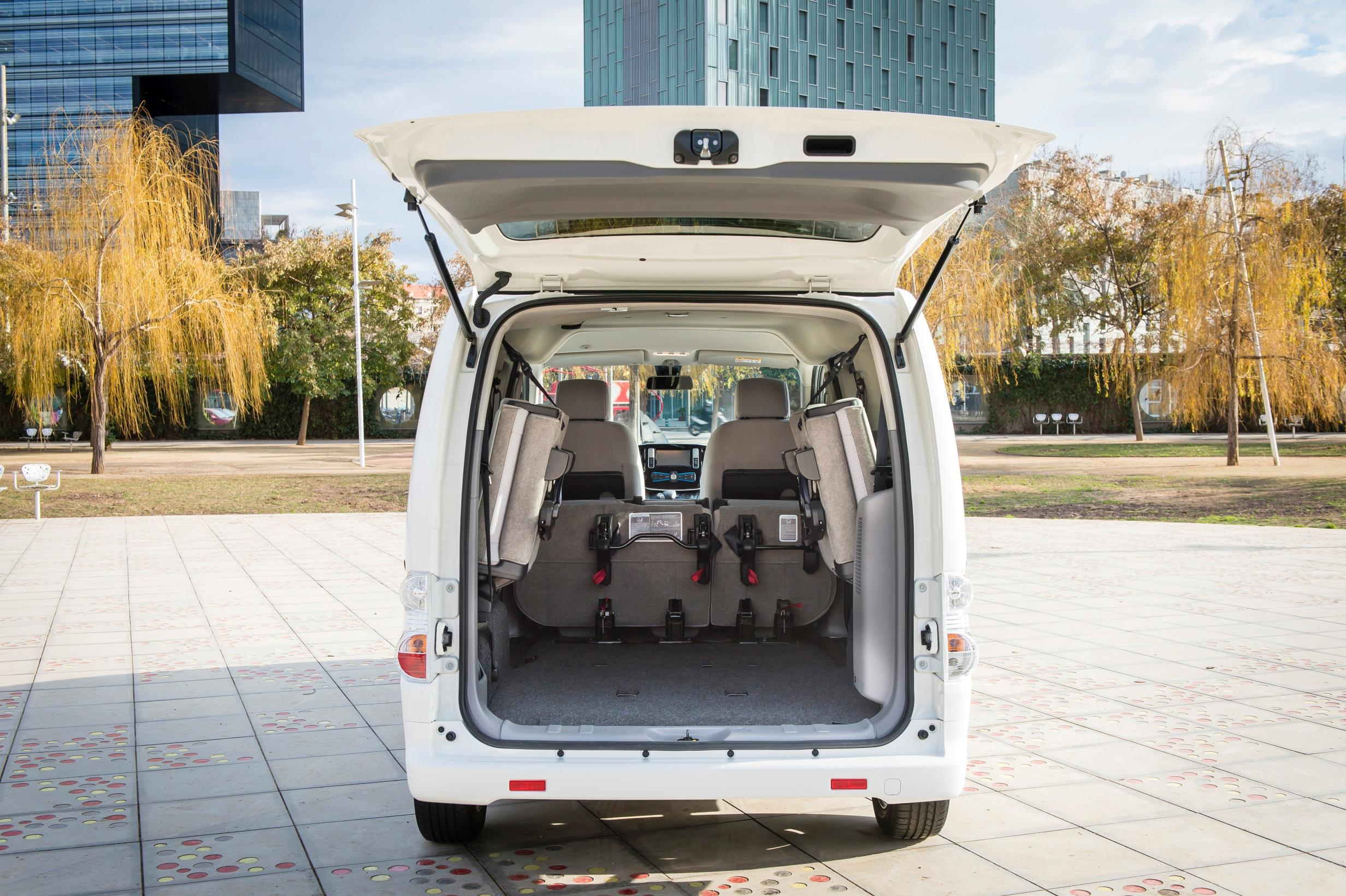 865e02c713 The new version of the e-NV200 features a 40 kilowatt-hour (kWh)  battery-pack