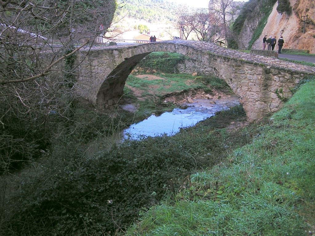 Burgos puente romanico Tobera Frias 02