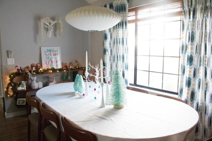 Dining Room Christmas Setup