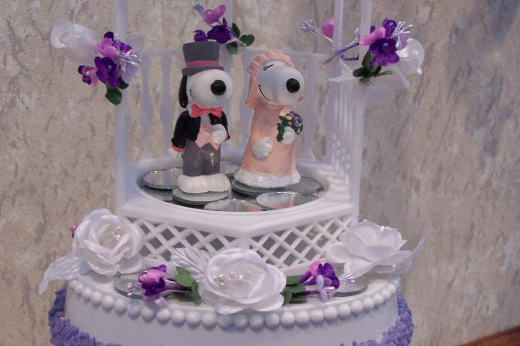 Snoopy Amp Belle Wedding Cake Topper Snoopy Amp Belle Atop