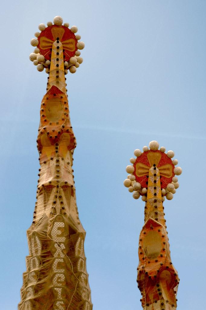 Sagrada Familia Gaudi Barcelona Agujas De Dos Torres De