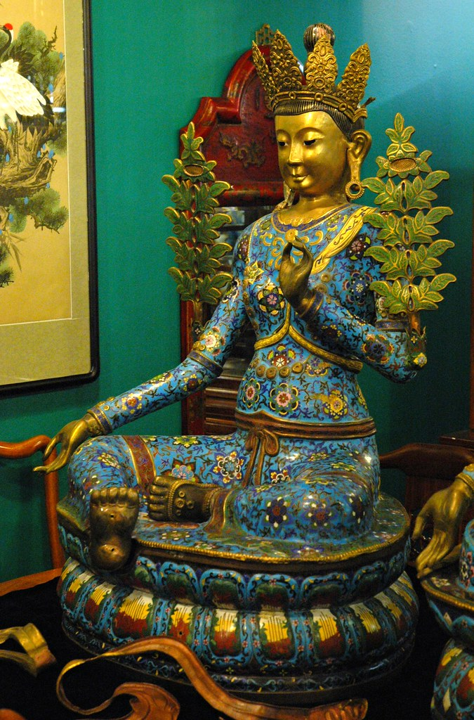 Lady Green Tara Crowned Buddha With Green Flowers Foot