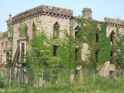 Renwick Ruins, smallpox hospital on Roosevelt Island | Flickr
