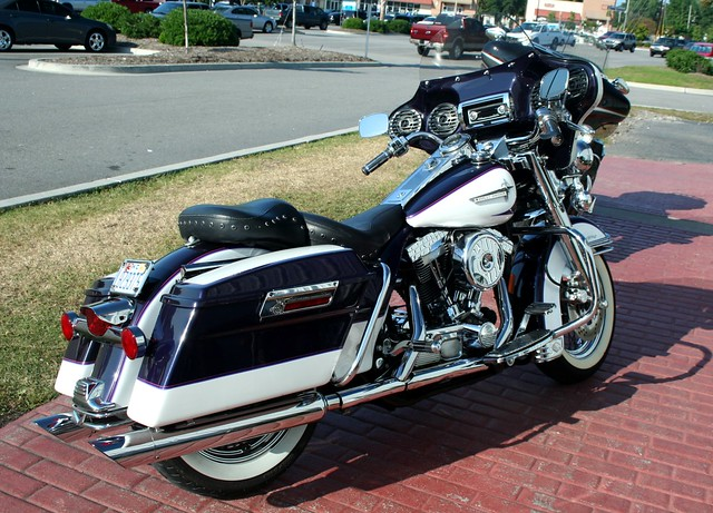 Harley Davidson Road King Beautiful Two Tone Charlie J