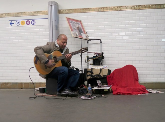 guitarist in the subway