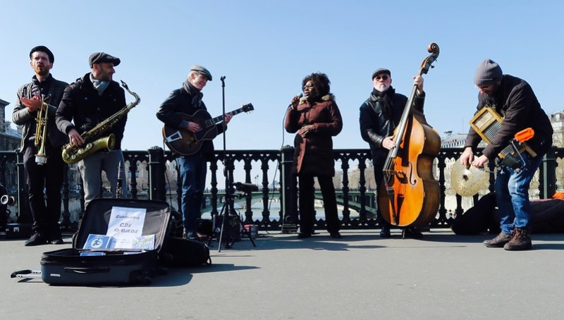 Paris swing band on the bridge over the Seine