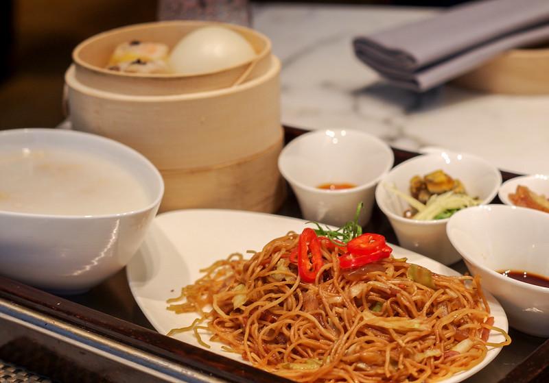 breakfast at cafe causette - mandarin oriental hong kong