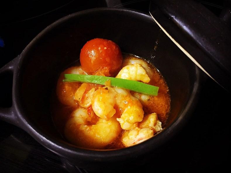 Gambas al ajillo con salsa de tomate