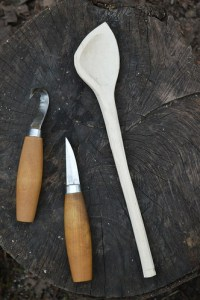 Spoon carving course in Manchester