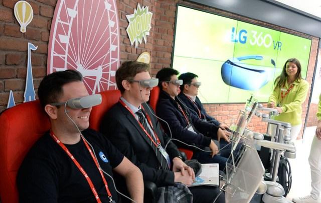 Propuesta de realidad virtual en el stand del #MWC16 de LG.