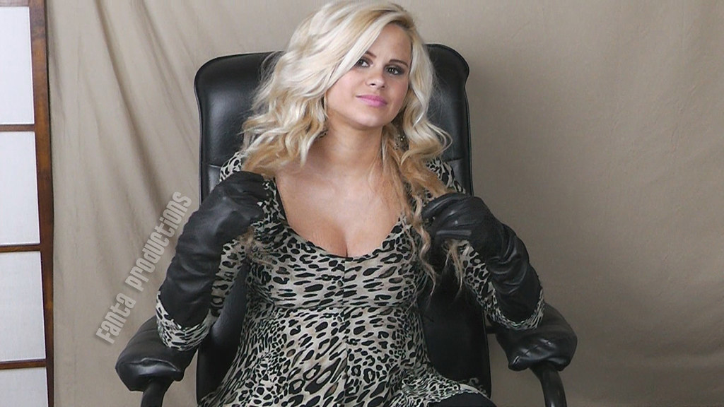 Riley In Long Black Leather Gloves Fanta Productions