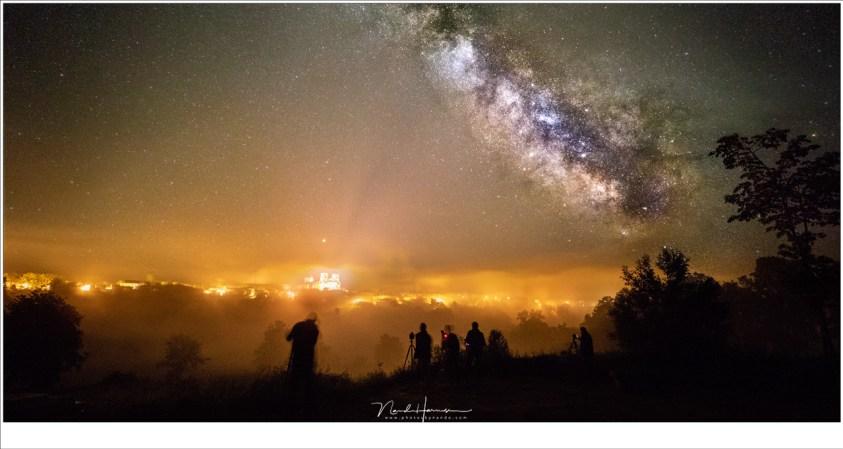 De Melkweg fotograferen met uitzicht op de Abdijkerk van La Chaise Dieu (EOS 5D mark IV + EF 16-35mm @ 16mm   ISO1600-6400   f/2,8   5 sec)