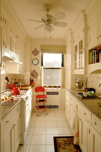 Giulias Galley Kitchen From Apartment Therapy Link To