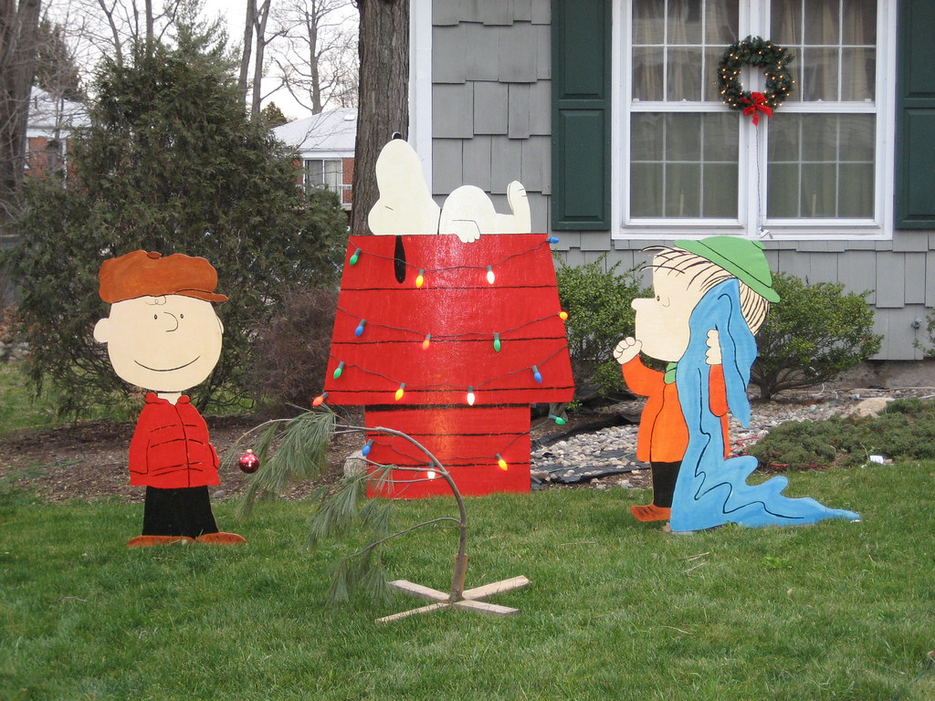 Snoopy Yard Decorations
