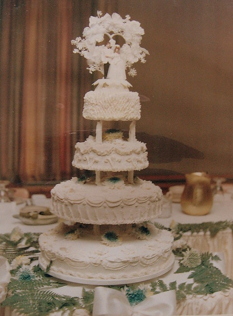 WEDDING CAKE 1970S STYLE My Mom Made And Decorated