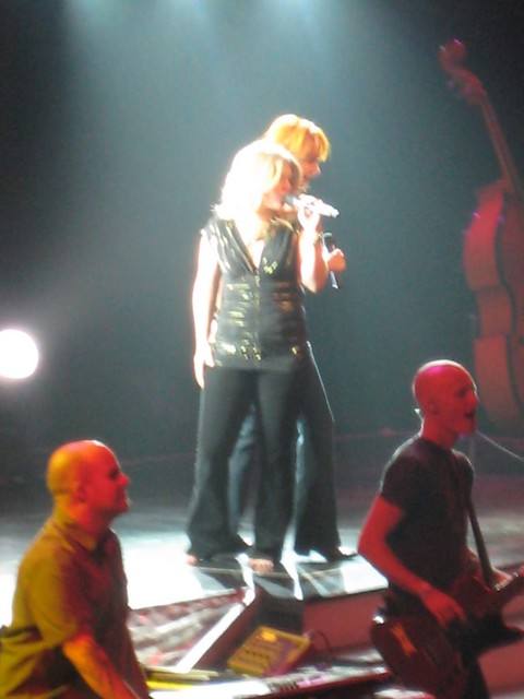 Reba McEntire Amp Kelly Clarkson Encore Laura Flickr