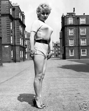 barbara windsor pollo1944 flickr