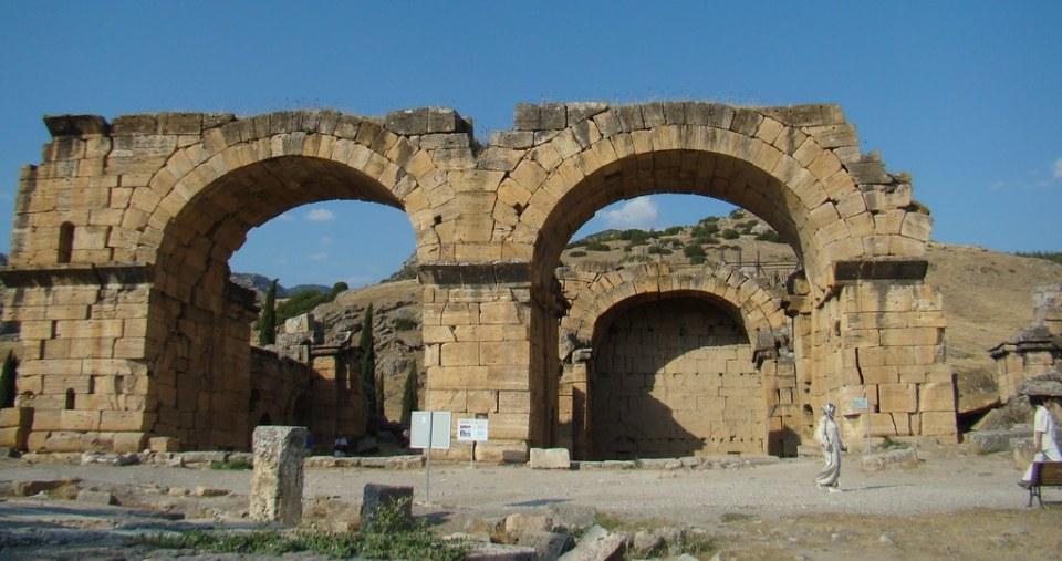 Turquia Hierapolis antiguo baños romanos Basilica Bizantina 07