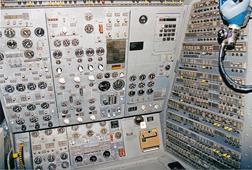 Ckpit 1 FedEx DC 10 Cockpit IAD 1198 Brian