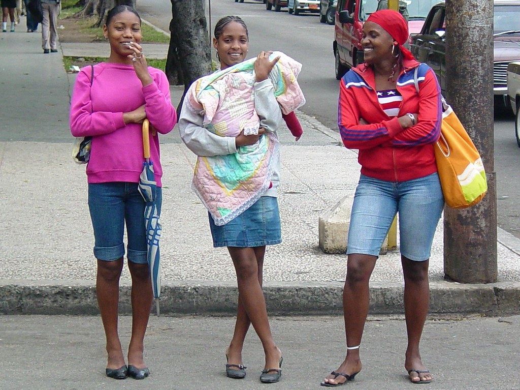 Young Women On Street Centro Habana Havana Cuba Flickr