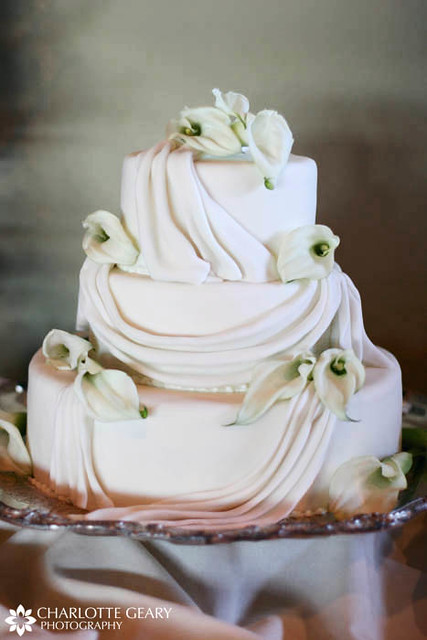 White Wedding Cake With Calla Lilies Wedding Planning