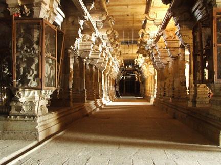 Om Namha Sivaya Inside The Temple Of Koviloor Tamil Nadu Flickr