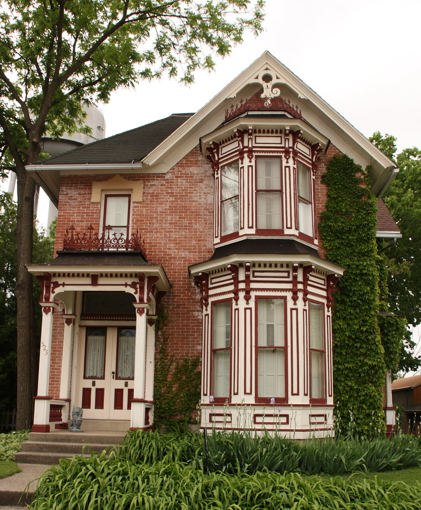 Exterior Color Schemes For Small Homes