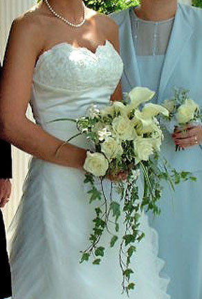 Rose And Calla Lily Wedding Bouquet With Ivy By Beikmann A