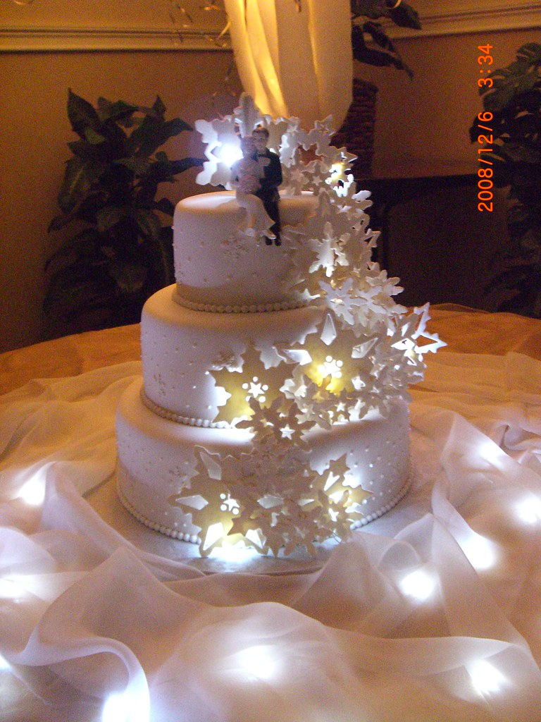 Light Up Snowflake Cake Snowflake Wedding Cake With Lit