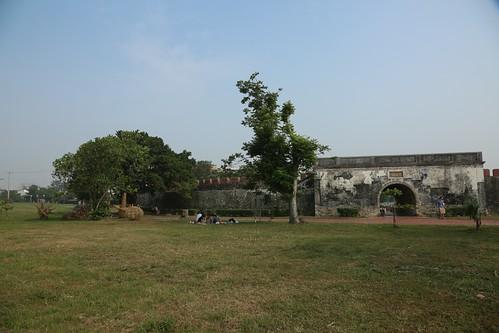 【寫生】高雄左營「鳳山縣舊城」東門:台灣第一座土牆、石牆的一級古蹟(12.3ys)