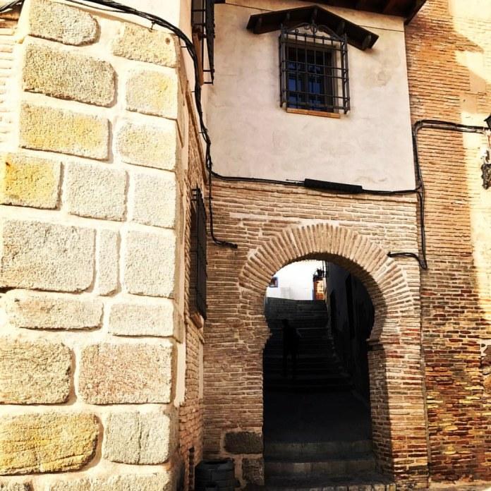 Un arco en la Judería de Toledo.