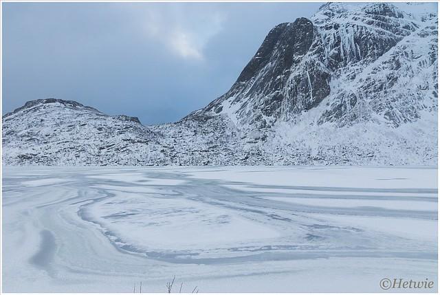 Bevroren meer in Brettesnes.