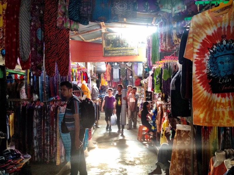 market in bukit lawang sumatra