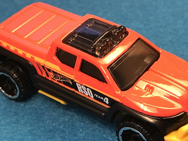 Hot Wheels Off-Duty (truck), 2017 HW Rescue 3/10