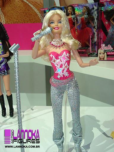 5543553326 98a4acd2be z Barbie A Fashion Fairytale
