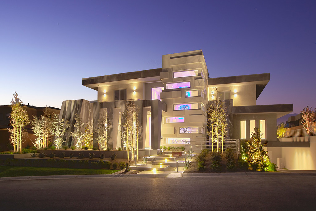 Modern Las Vegas Home 2/30 Exterior