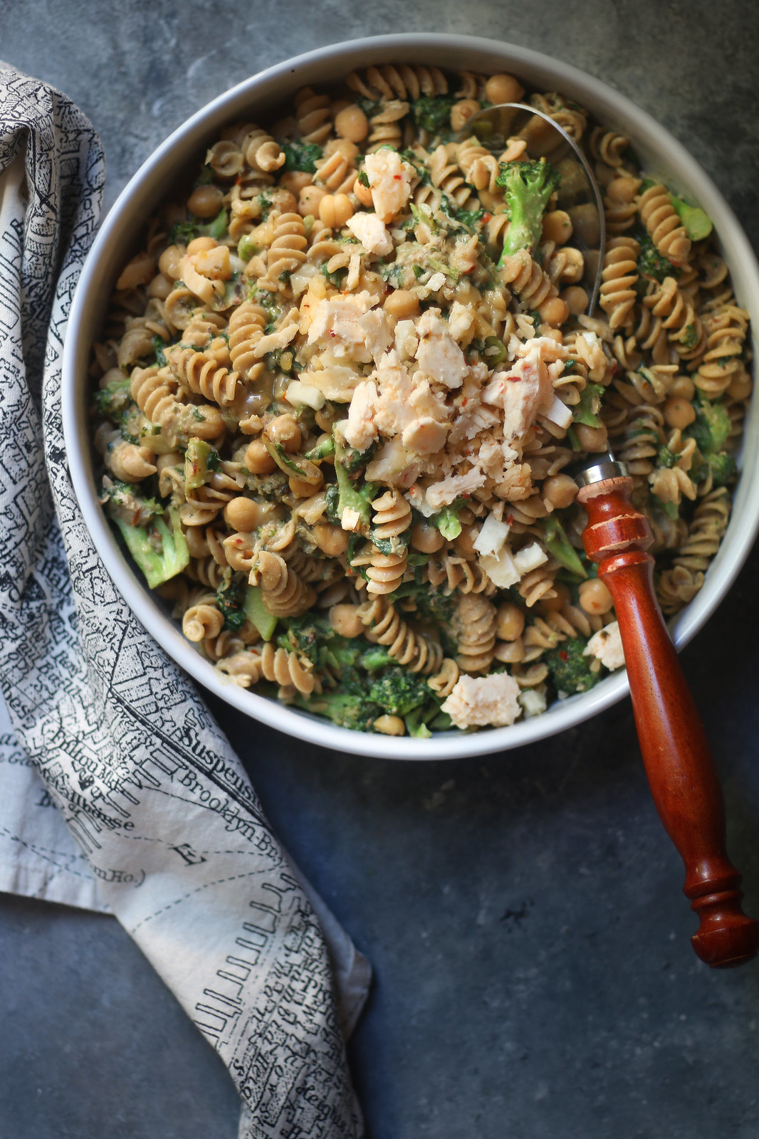 Butter Bean Walnut Hummus and Broccoli-Spinach Butter Bean Pasta |foodfashionparty|