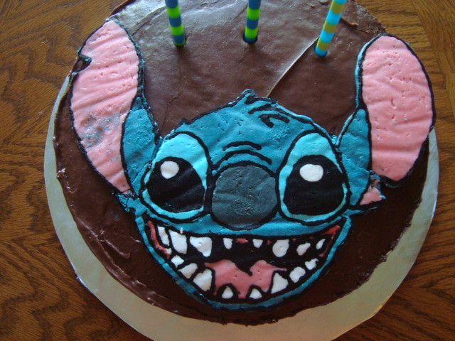 Stitch Cake This Was My Second Attempt At A Frozen Butter Flickr