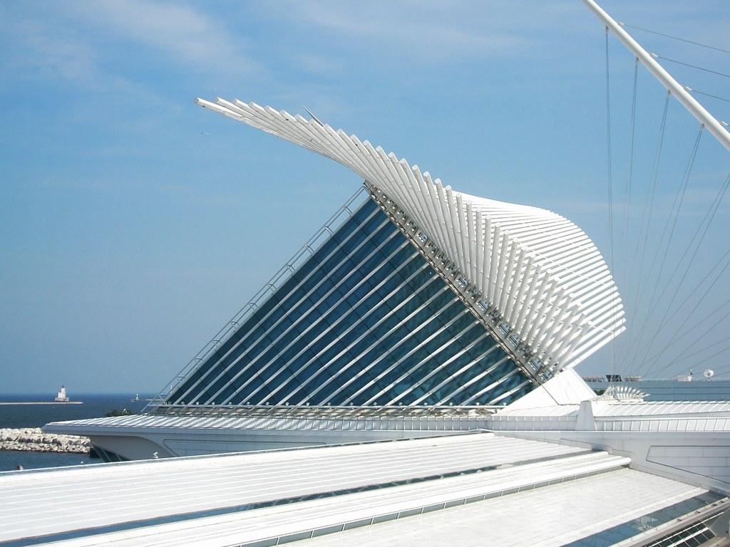 Milwaukee Museum Of Art Building Architect Santiago Calat