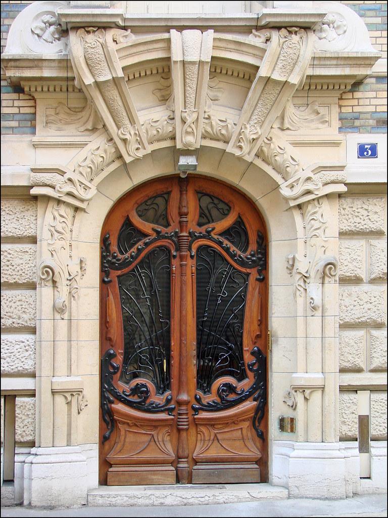 Porte Dentre Dun Immeuble Art Nouveau De Jules Lavirott