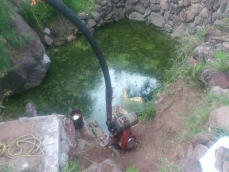 Octagenario cae accidentalmente a un pozo y pierde la vida