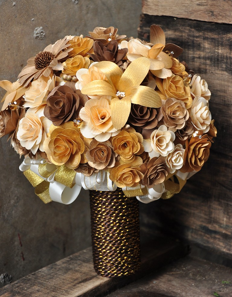 Gold Copper Brown And Ivory Wooden Flowers Bouquet Cente